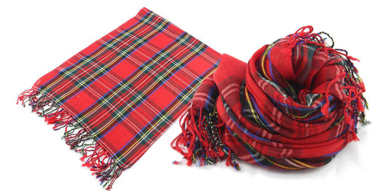 foulards en etamine de laine de Glen Prince, collection 2014, carreaux, tartans ecossais, coloris rouge, dimensions 180cm x 70 cm.