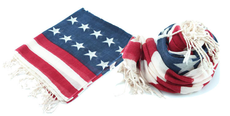 foulards en etamine de laine de Glen Prince, collection 2014, stars and stripes, coloris multi, dimensions 180cm x 70 cm.