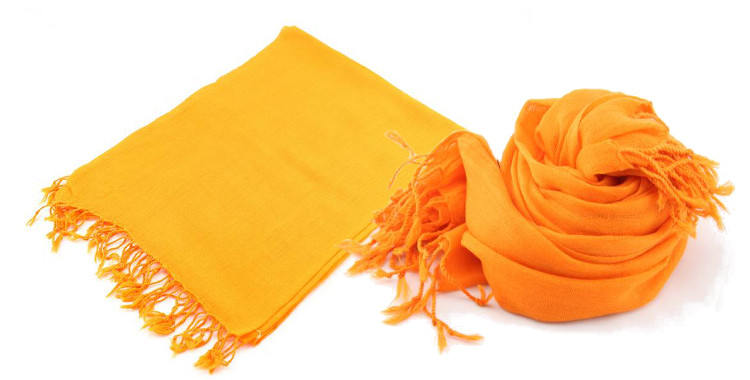 foulards en etamine de laine de Glen Prince, collection 2014, coloris orange uni, dimensions 180cm x 70 cm.